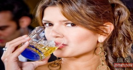 alkol-gogus-kanseri-mi-yapiyor-bira-kadin