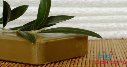 saç kepeklenmesi yağlanması bitkisel defne sabunu faydaları