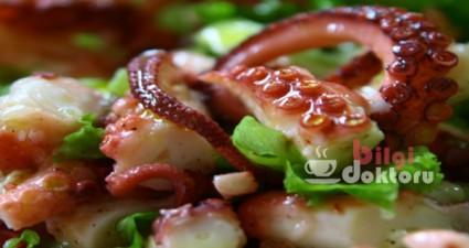 ahtapot-yemegi-resmi-salata